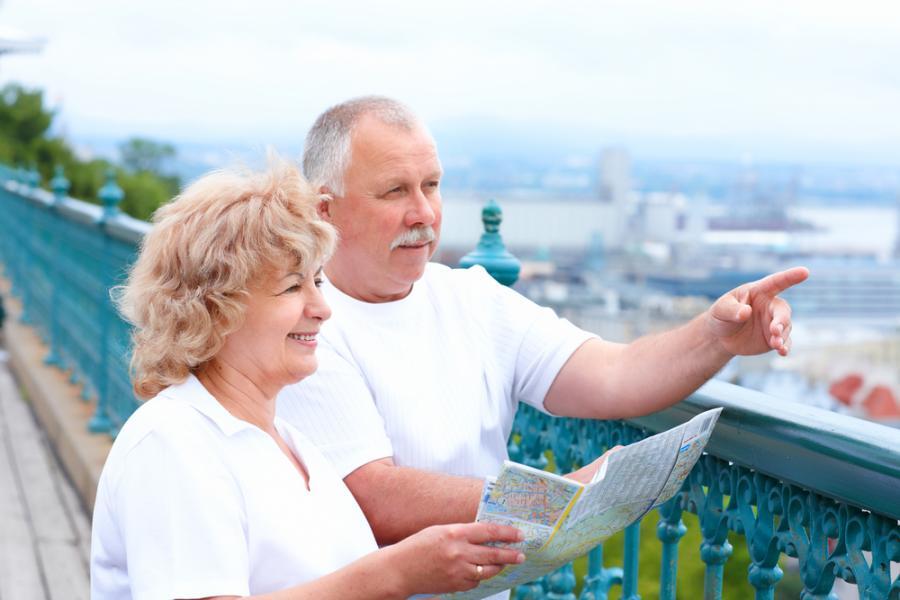 Пенсия работающим пенсионерам не будет выплачиваться пенсия